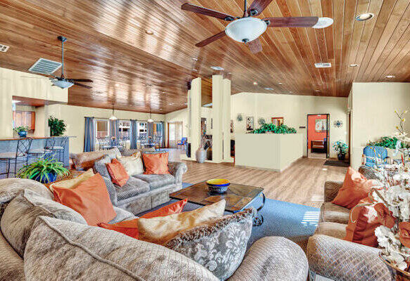 Playa Clubhouse 1330